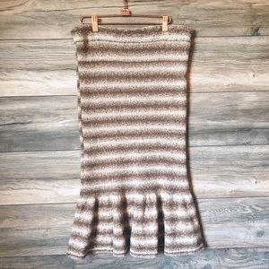 Eva Mendes NY & Co knit ruffle hem skirt L